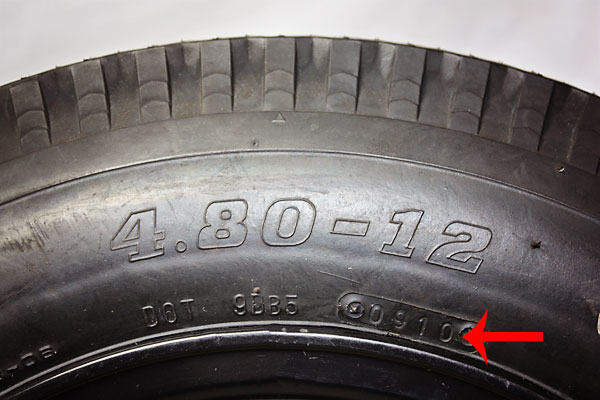 trailer tire age calculator how old are your trailer tires really exclusive at kings of wheels. Black Bedroom Furniture Sets. Home Design Ideas