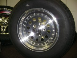ST205/75R15 Radial Trailer Tire with 15 inch Aluminum Vented Modular Trailer Rim